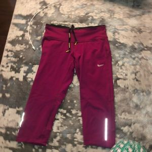 Purple NIKE 3/4 leggings size Small